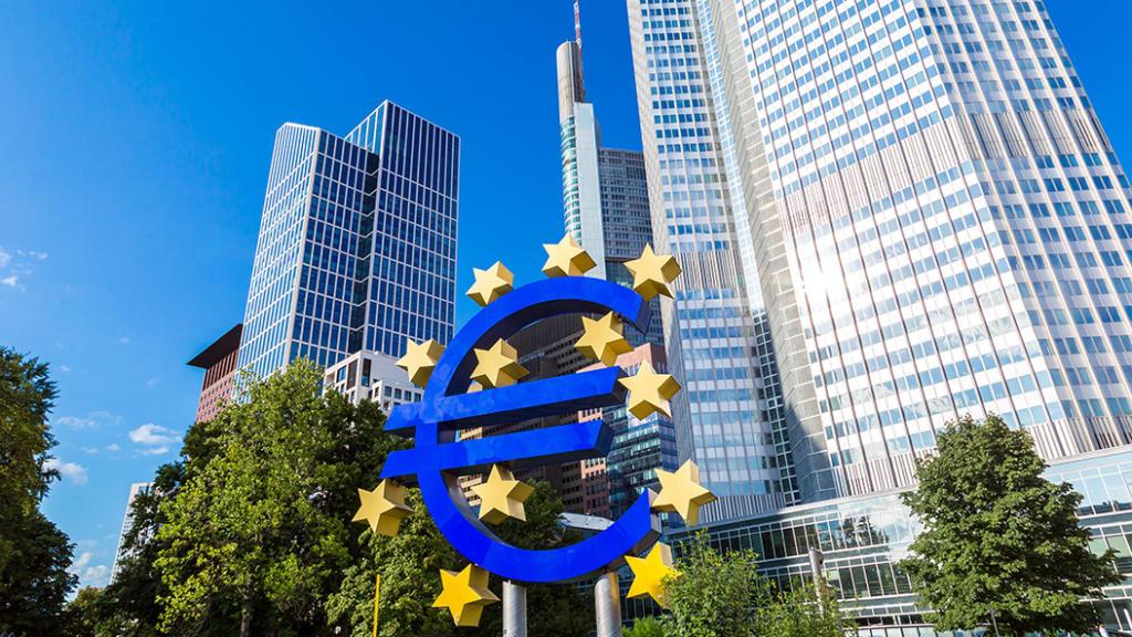 EZB in Frankfurt - faszinierende Architektur am Ufer des Mains